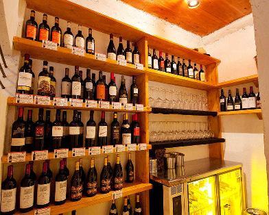 ワインは常備50種類以上!!