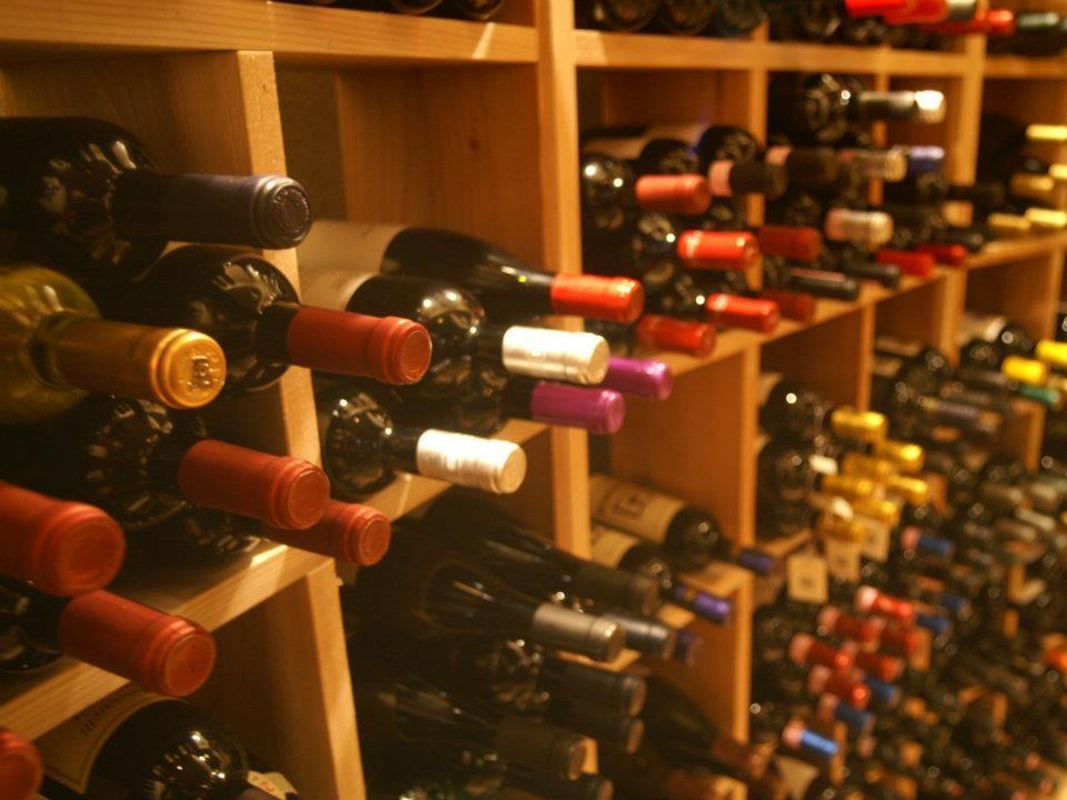 ワインセラーにはイタリアワインが150種