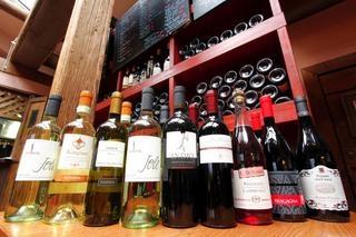 イタリア本土で買い付けしてくるワイン