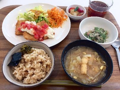 食堂メニュー(高野豆腐のフライ)