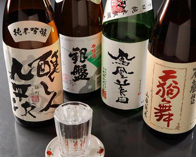 日本酒、焼酎にもこだわっています
