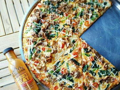 NYスタイルのピザはボリューム満点!!
