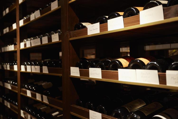 ヨーロッパを中心に150種のワインセラー