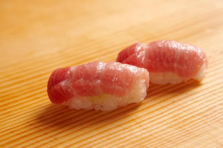 豊洲市場から厳選して食材を仕入れています