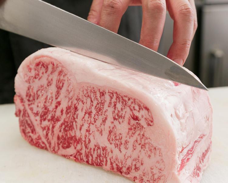 お肉と韓国料理の知識と調理技術が学べます