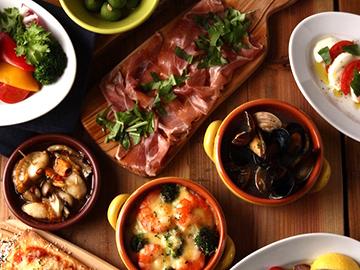 30種類以上の小皿料理が特徴