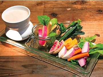 無農薬農家さんの野菜を中心に取り扱い