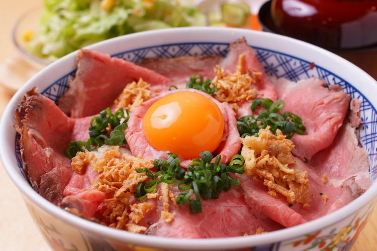 ローストビーフ丼1500円