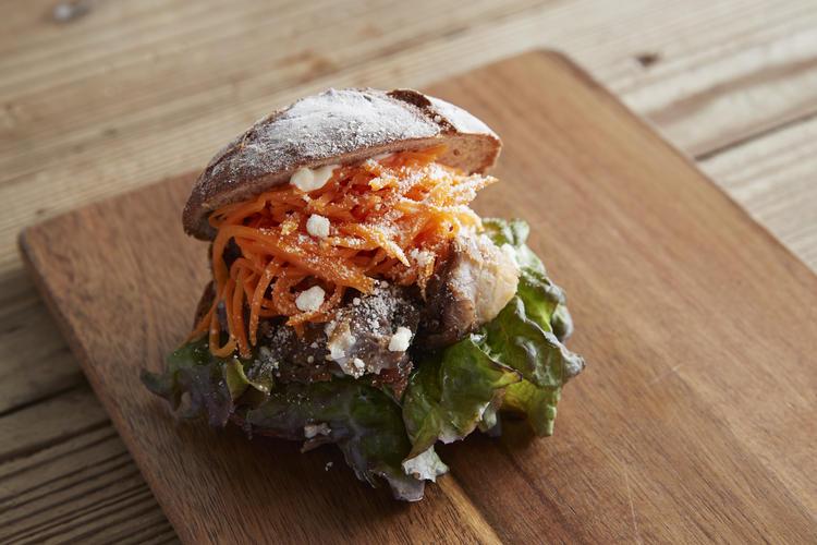 ◇焼き豚キャロットラペのサンドイッチ◇
