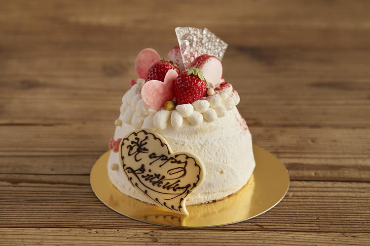 ◇オーダーメイドの誕生日ケーキも…◇