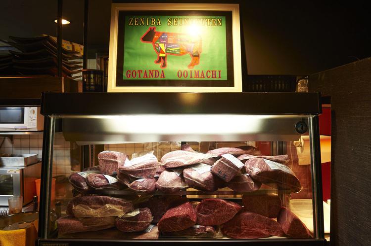 肉のブロック達! 一頭買いしてます