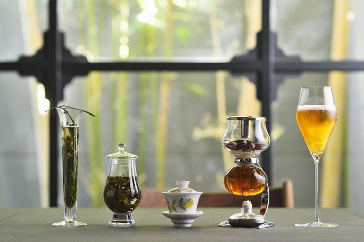 お料理に合わせた様々なお茶のペアリング