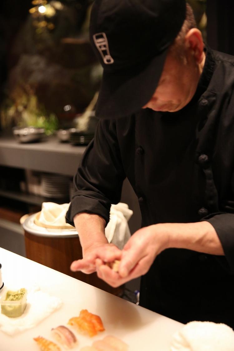寿司の技術も習得可!