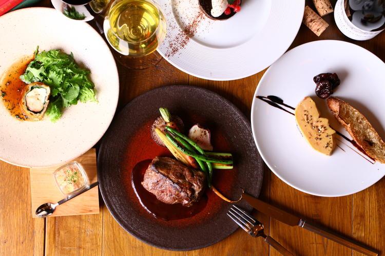 Brasserie & Wine Cafe BUZZ