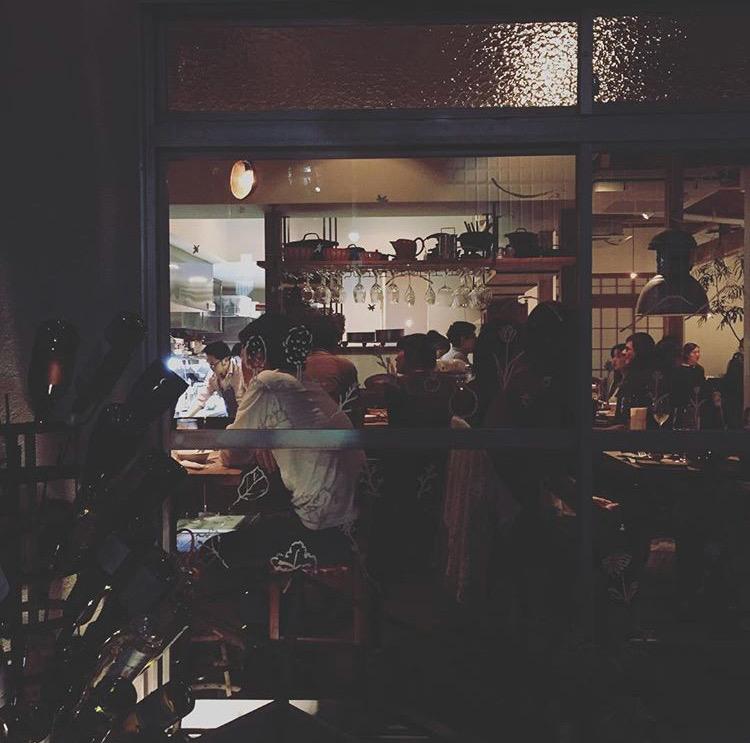 ひっそりと佇む一軒家カフェも連日大賑わい