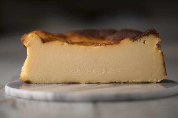 極上のバスクチーズケーキです。