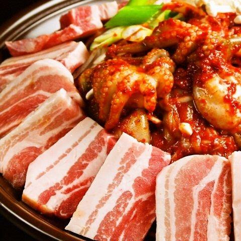 本格的な韓国料理チュックミ