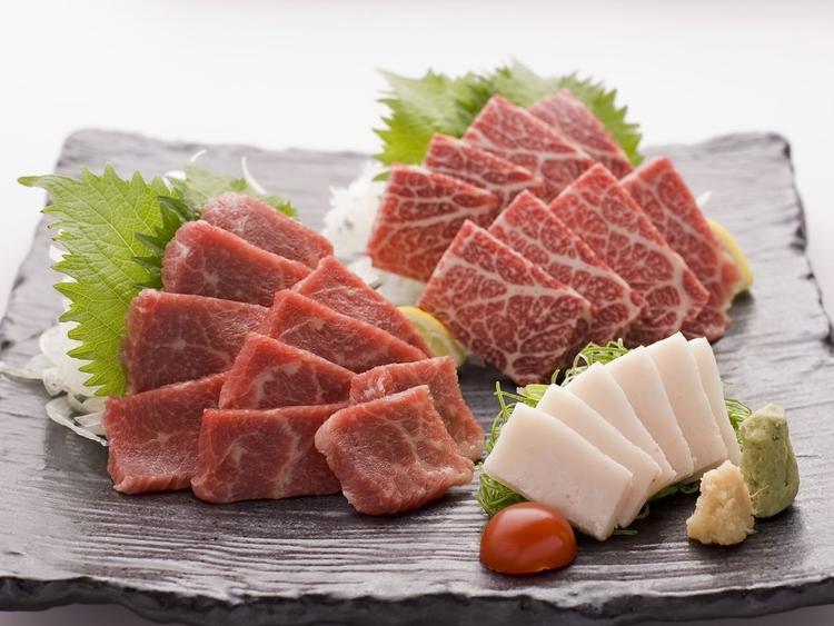 もつ鍋等の九州料理やふぐ料理をご用意