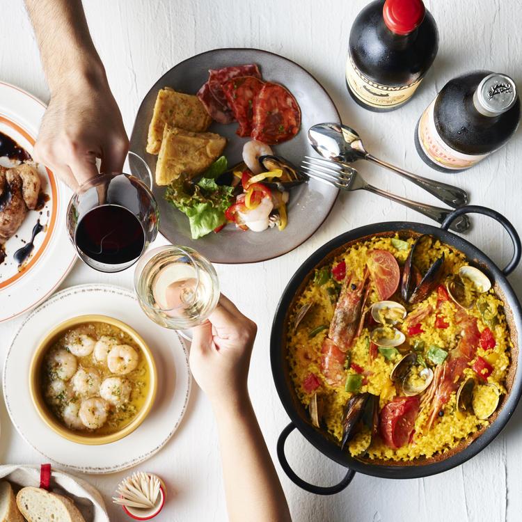 スペインをベースに新たな料理へ