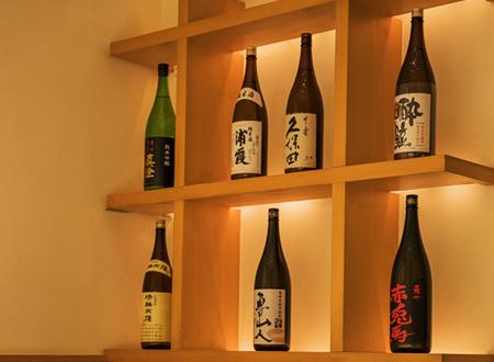 厳選ワインと日本酒とのペアリングも好評