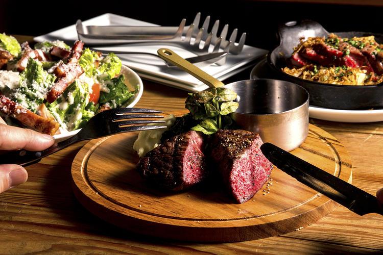 お肉を中心としたビストロ料理