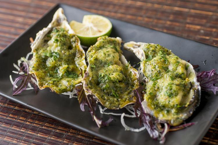 広島牡蠣とホタテのエスカルゴバター焼き