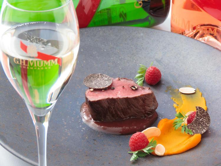 シャンパンが欲しくなる繊細な一皿!