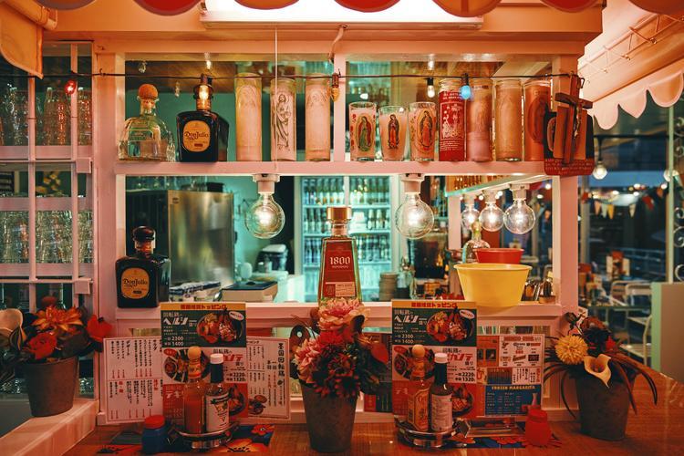 墨国回転鶏料理QueRico ルクアイーレ店
