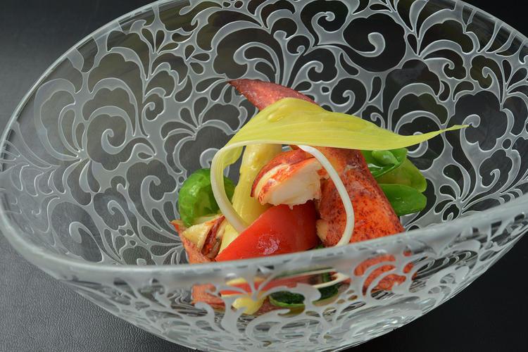 フランス料理のエスプリを旬の食材で