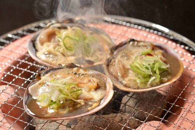 豊浜、片名漁港で買付の新鮮魚介。