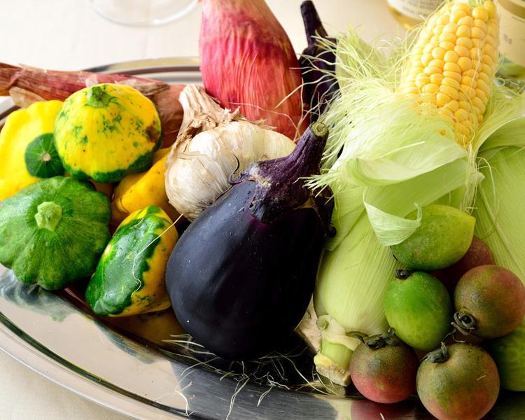 地元の産直野菜が女性客に大好評!
