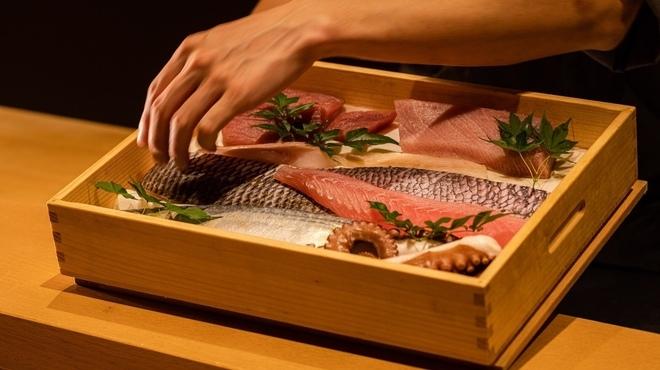大注目の熟成と発酵をテーマにした魚介料理