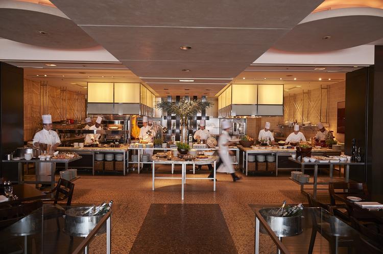 オープンキッチンを備えるレストランも多数