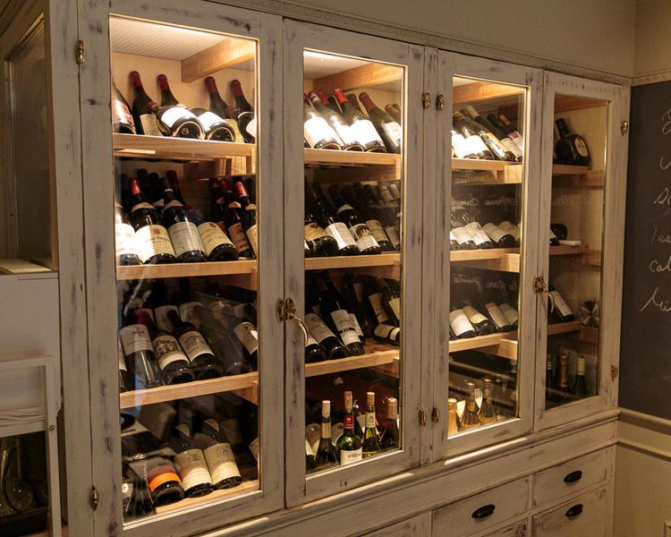 常備100種類以上のフランスワイン