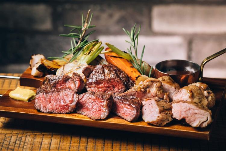 一頭買いのお肉料理