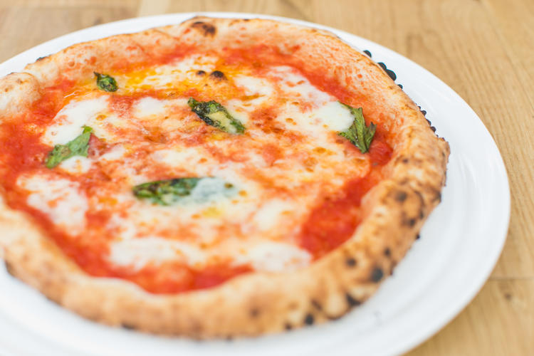 pizzeria & bar Mano-e-Mano 中之島
