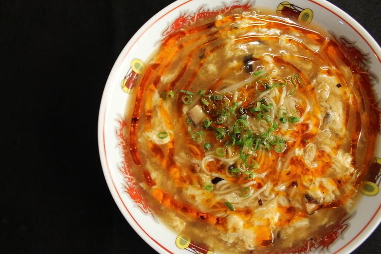 名物の酸辣湯麺