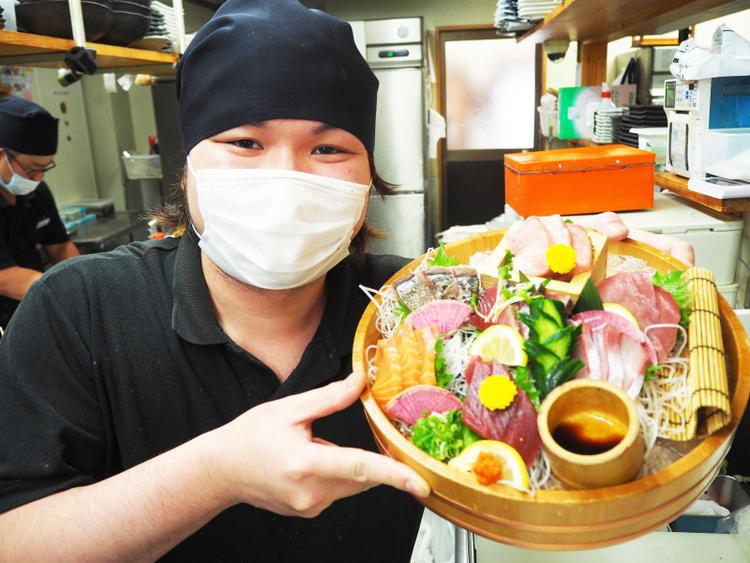 海鮮料理と串カツが自慢の居酒屋です☆