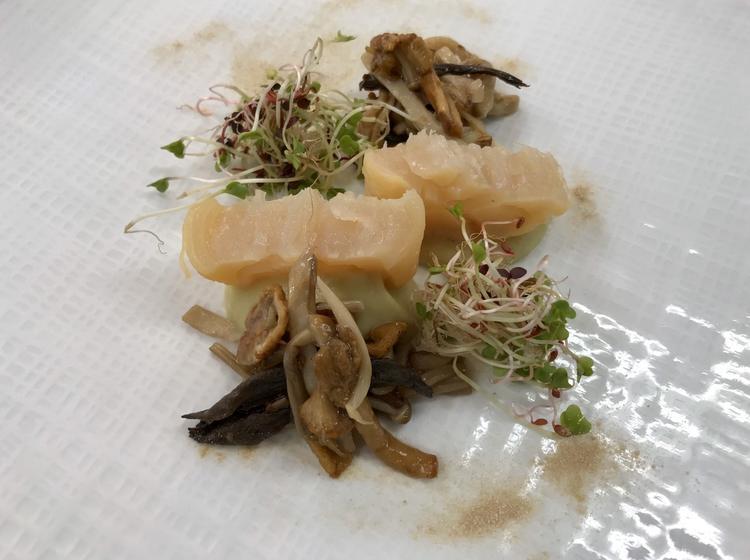 帆立貝の燻製 白茄子のフォンダン