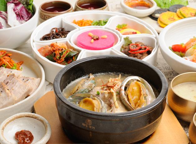 家庭料理だけでなく伝統の宮廷料理も提供