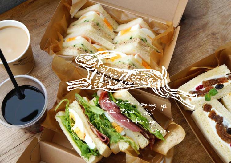 サンドウィッチとパスタが人気です。