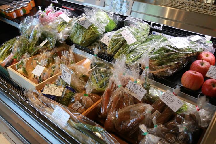 産直野菜も販売