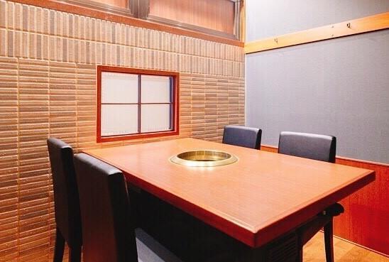 個室を中心とした高級感のある雰囲気