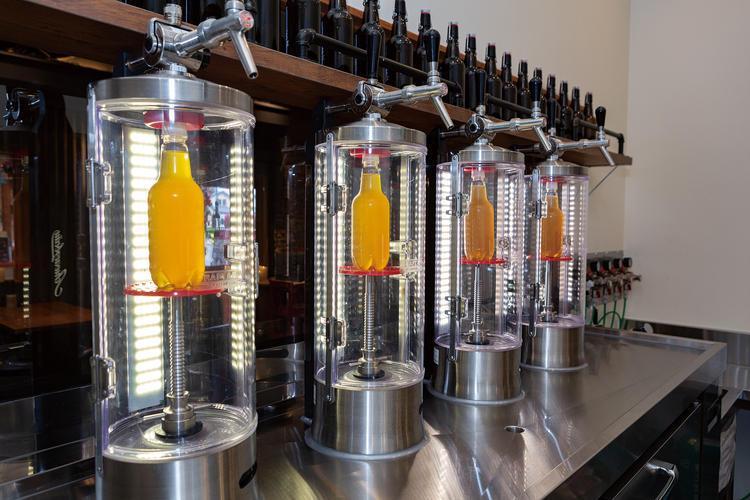ロシア製ビール量り売り専用充填機