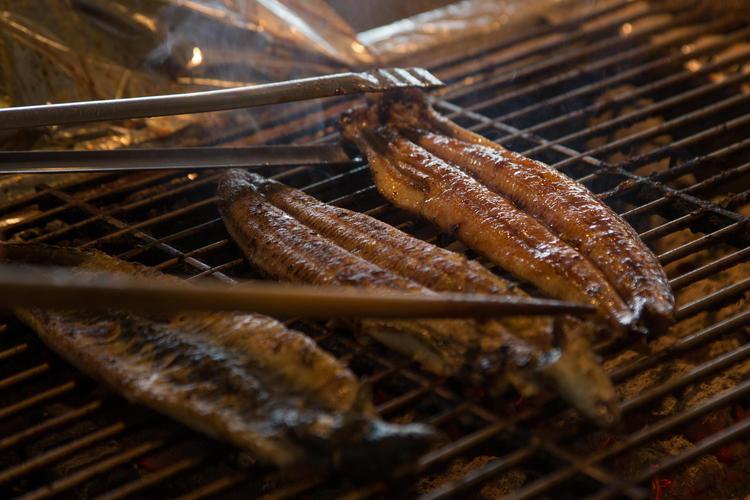 炭火焼のウナギは絶妙な焼き色と香りが特徴