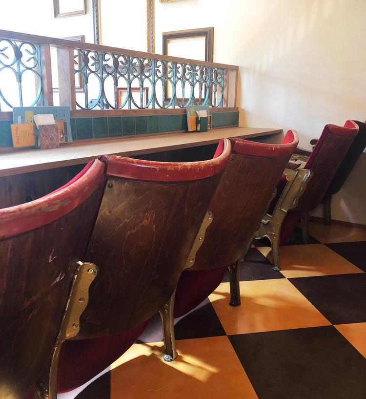2階のシネマ席は人気の特等席