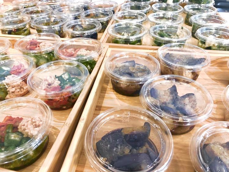 栄養満点のお惣菜は様々ご用意します。