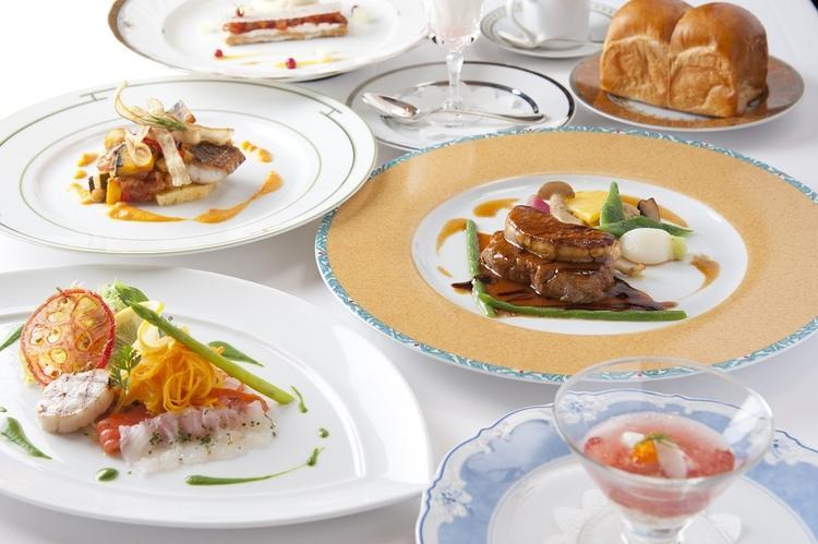 FCCJ Club Dining