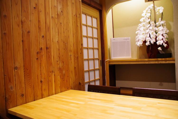個室では接待等のご利用も可能です