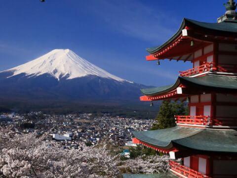 新倉山浅間公園から見た富士山